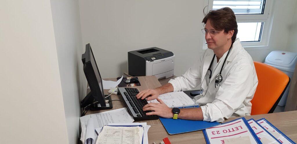 dr rovagnati marco inserisce pazienti affetti da ernia inguinale nel server delle liste d'attesa